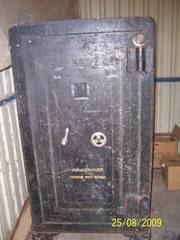 J&J Taylor Bank Safe